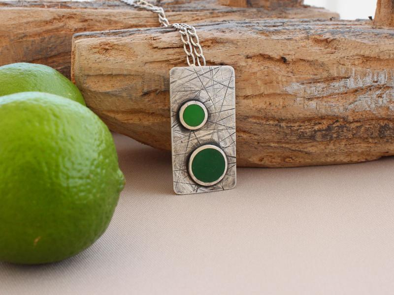 Silver pendant - Green coloured resin application